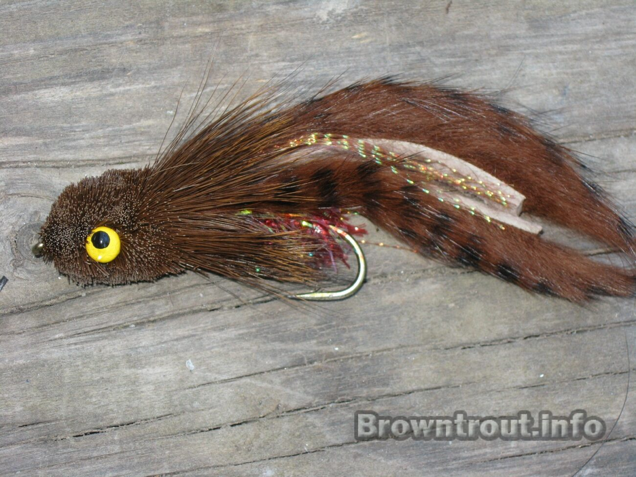 Lady Gaga streamer for large brown trout day or night, The best Mouse fly patterns for fly fishing trout at night, streamer fly patterns, streamer flies for trout, mice tails for trout, trout streamer patterns