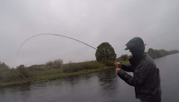 What are the best clothes for winter and late fall fly fishing?
