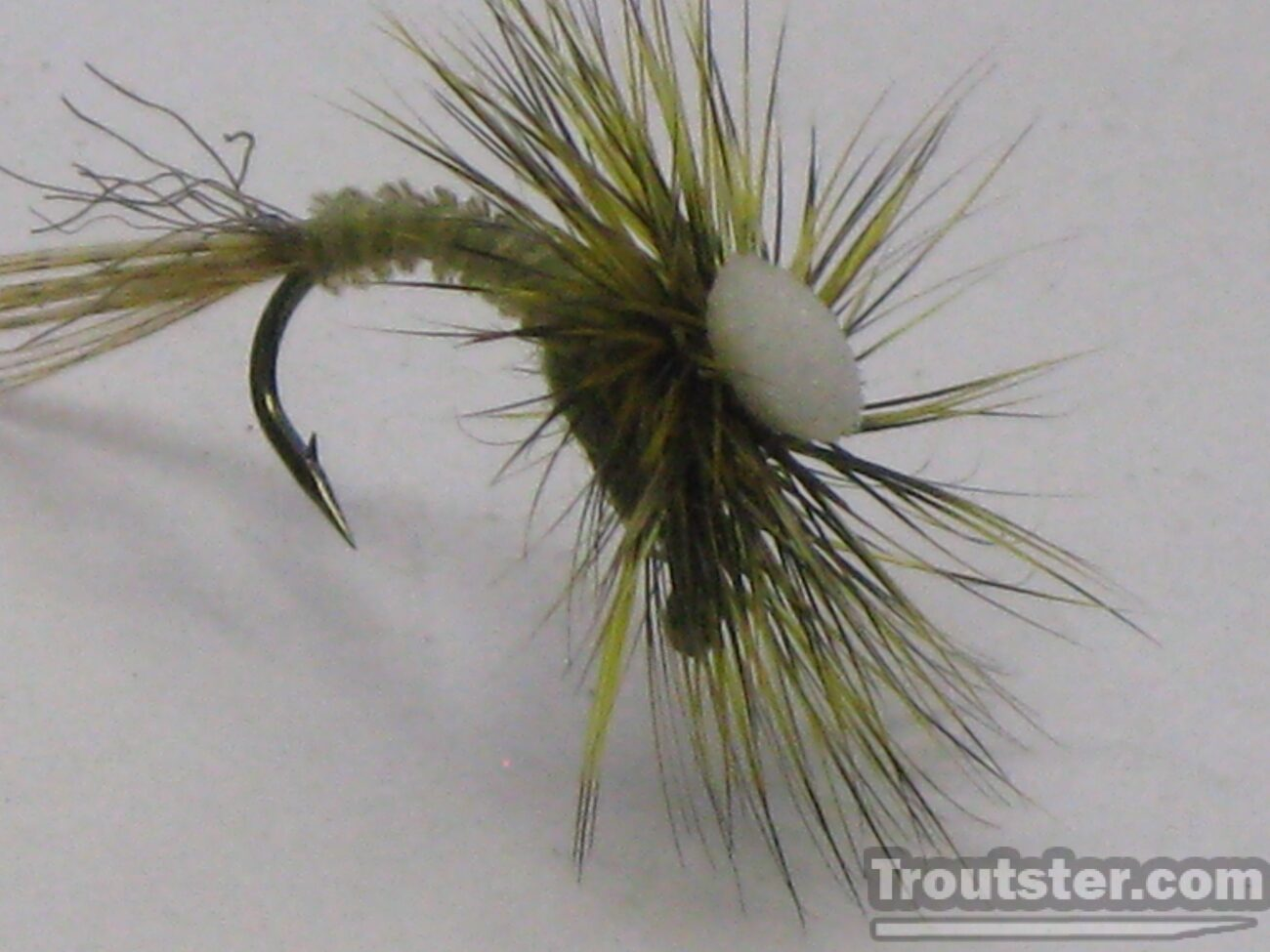 Thin pin green drake emerger